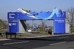 Flughafen München, 200-Tonnen Brücke für die IOC-Evaluierungskommission, 25.2.2011